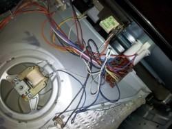 Сервиз за ремонт на печки по домовете в София. Печка Електролукс с повреден (изгорял) долен нагревател.